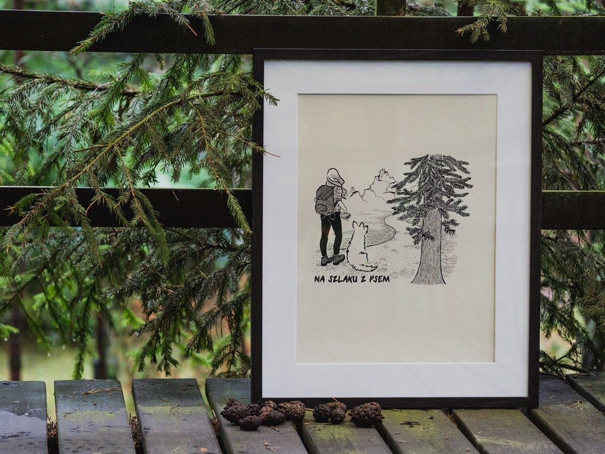Plakat - dziewczyna z psem, stoi obok świerku, patrzy na góry